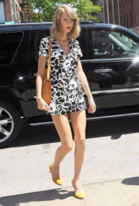 taylor-swift-suno-deep-v-romper-gucci-suede-pumps