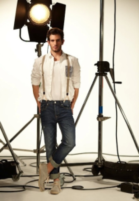 Casual-Look-With-Suspenders